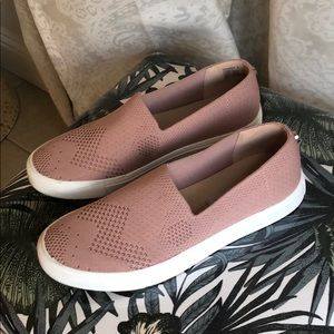 Steve Madden Slip on Stretchy Chucks